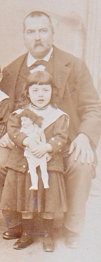 Léonie et son père_S