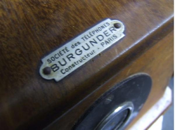 P3 plaque sté des téléphones burgunder