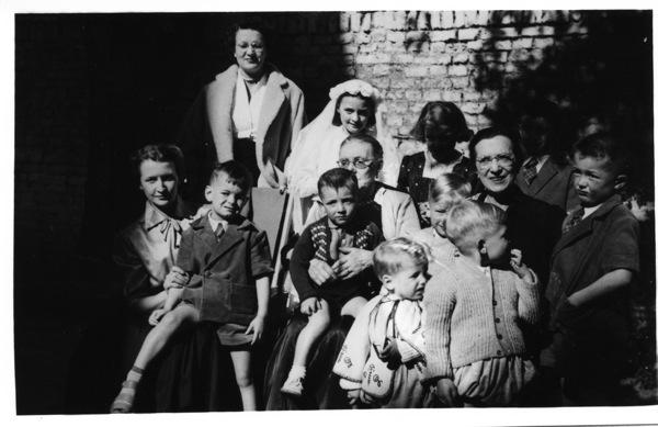 3-Léonie, petits enfants et arrière peits-enfants 22 mars 1952
